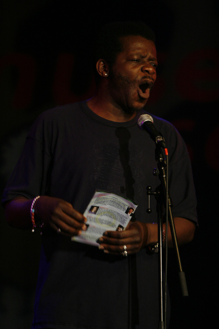 stephen_k_amos_hosting_amusedmoose_laughoff_final_08.jpg
